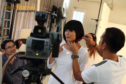 Xandria Ooi on set
