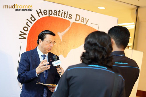 Y.B. Dato' Sri Liow Tiong Lai being interviewed at World Hepatitis Day 2012