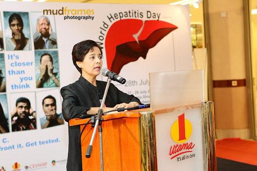 Prof. Dr. Rosmawati Mohamed speaking at the World Hepatitis Day 2012 main event