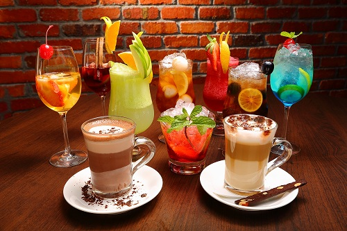 Hot and cold cocktail drinks at Silver Spoon Trattoria, Italian Restaurant at Bandar Menjalara