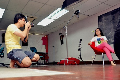 Behind-the-scenes: Loyar Butik Apparel & Merchandise photo shoot at Pusat Rakyat Loyar Burok