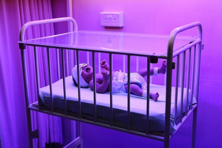_MG_7896-Old Baby Cot under a 1979 Phototherapy Machine at Nursery