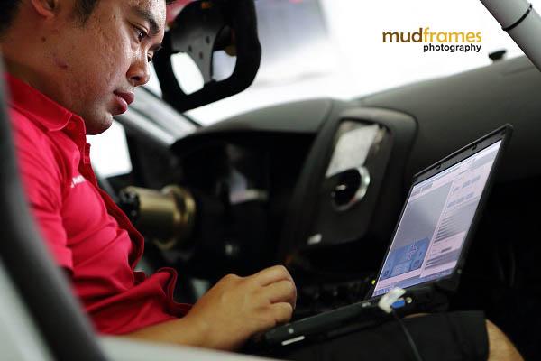Audi race crew at pit during MMER 2013 at Sepang