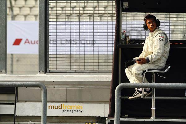 Audi race crew at pit wall during MMER 2013 at Sepang