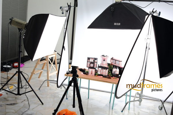 BTS: Guardian Secrets body care range product photography for 2013 Christmas catalogue