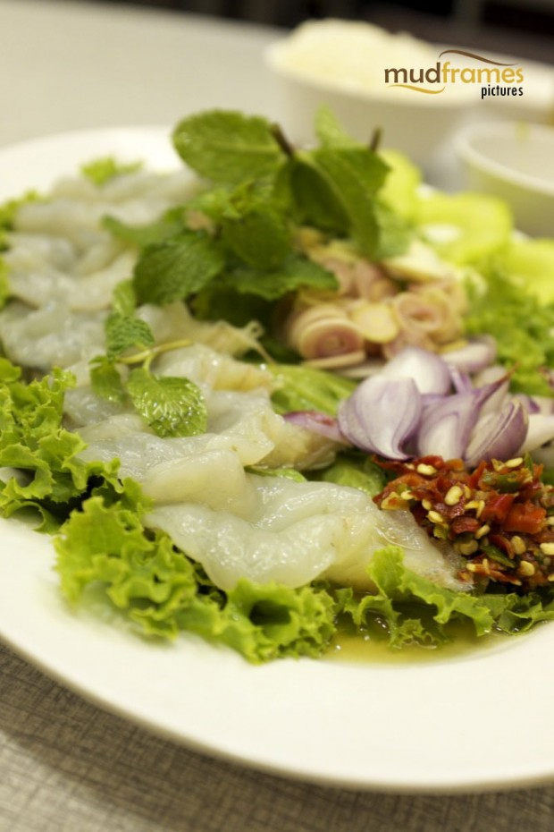 Goong Chae Nam Pla (raw white prawns with spicy fish sauce)