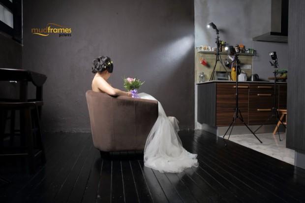 BTS: DIY pre-wedding photography at Mudframes Studio