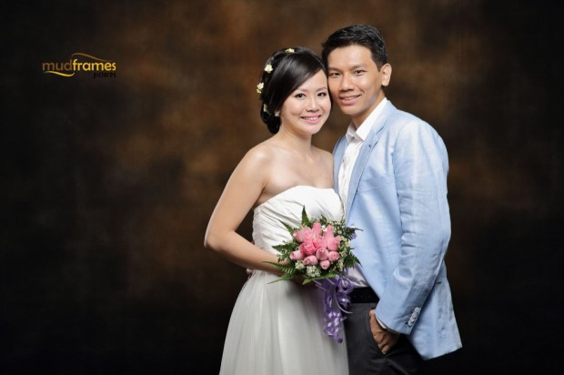 DIY pre-wedding photography at Mudframes Studio