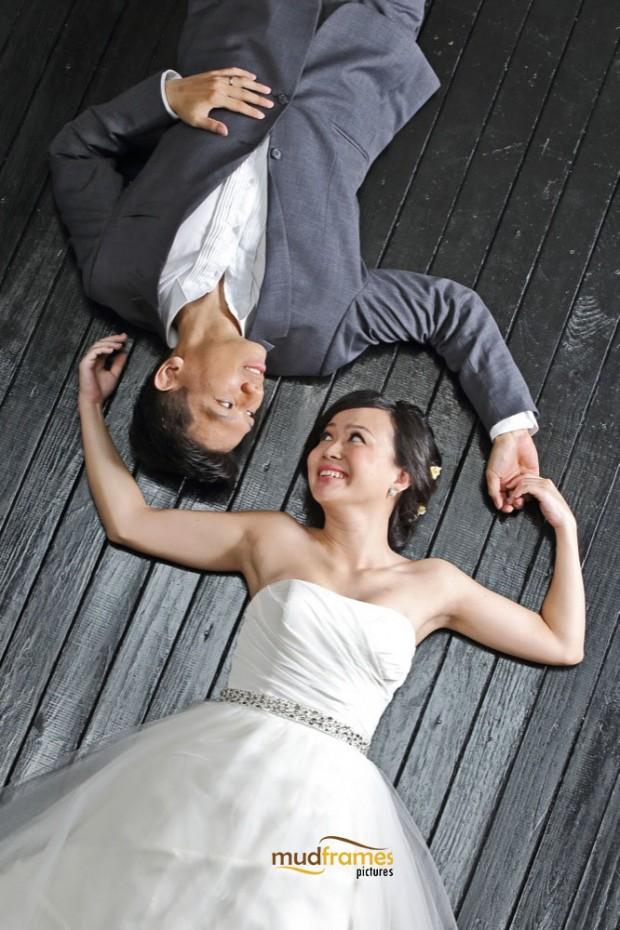 DIY pre-wedding photography at Mudframes Studio
