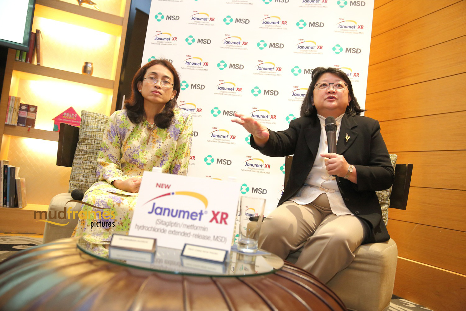 Dr Zanariah Hussein and Prof Chan Siew Pheng speaking at Janumet XR launch in Malaysia