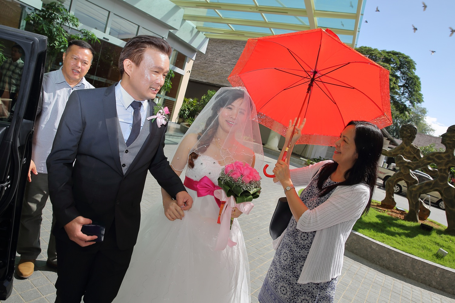 Actual Day Wedding Photography by Mudframes Pictures