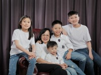Indoor Family Photo Shoot at Jaya One Studio